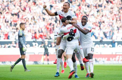 """""""VfB Stuttgart kommt mit einem blauen Auge davon"""""""