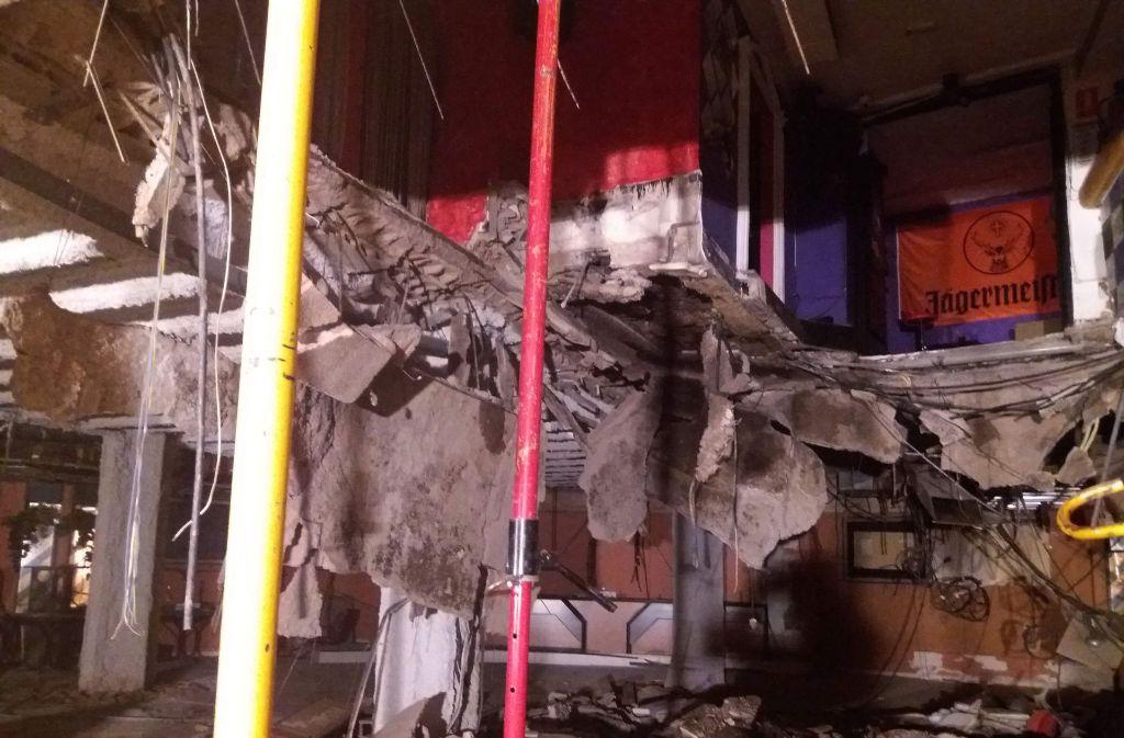 In dem Nachtclub auf Teneriffa sind Teile des Fußbodens eingestürzt. Foto: AFP PHOTO / HANDOUT / BOMBEROS DE TENERIFE