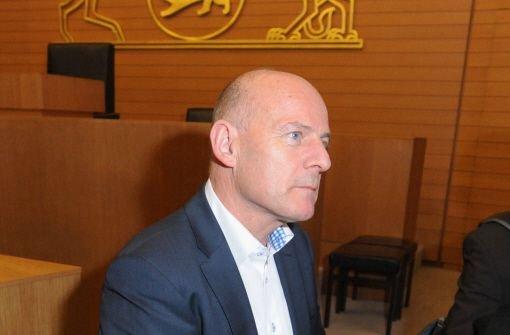 Verkehrsminister und Stuttgart-21-Gegner Winfried Hermann (Grüne) hat an dem Ergebnis der Volksabstimmung sichtlich zu knabbern. Foto: dpa