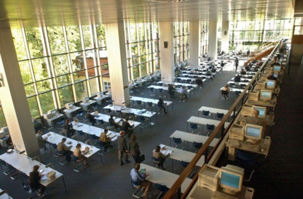 Die Staatsbibliothek München: ein beliebter Ort, um an einer Dissertation zu arbeiten Foto: dpa