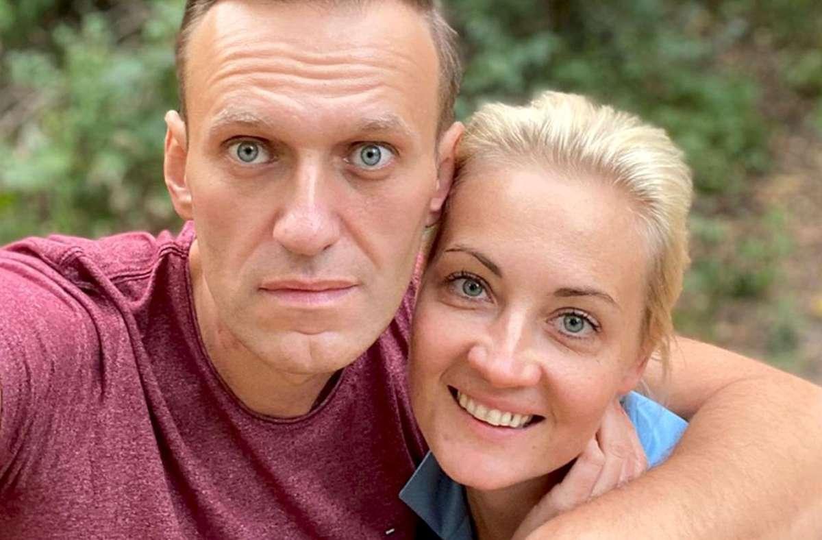 Alexej Nawalny und seine Frau Julia verbrachten nach dem Giftanschlag eine Zeit im Schwarzwald. Foto: dpa/Uncredited