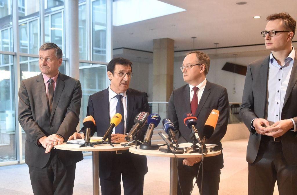 Bei der Bekanntgabe ihres Rückziehers: die Fraktionschefs von FDP, CDU, SPD und Grünen Foto: dpa
