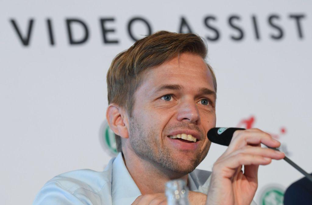 Dr. Jochen Drees zeichnet sich beim DFB für den VAR verantwortlich. Foto: dpa