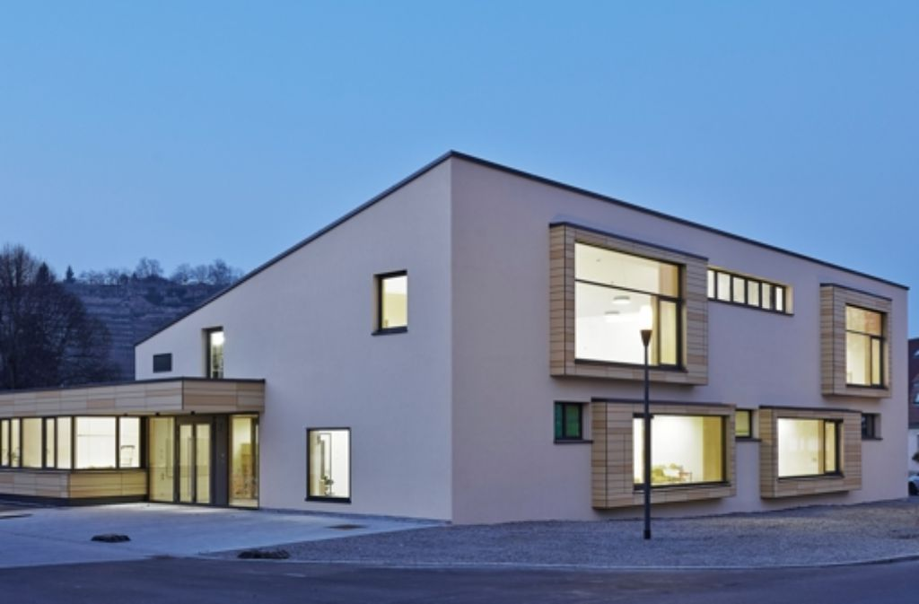 villa h36 in stuttgart meilenstein in d mmbeton. Black Bedroom Furniture Sets. Home Design Ideas