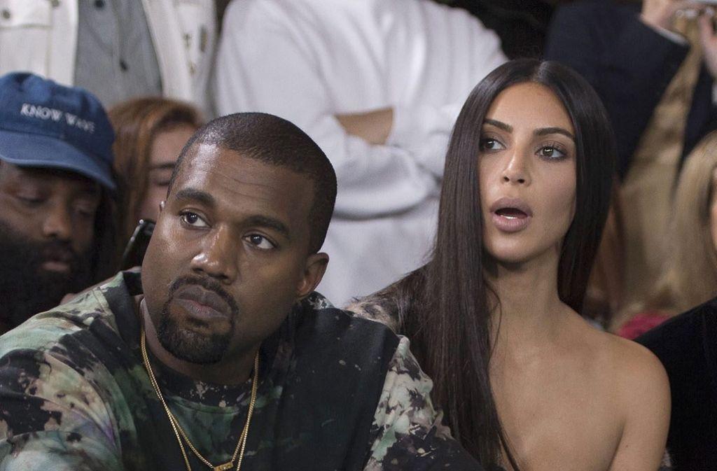 Schock für das Ehepaar Kanye West und Kim Kardashian (hier bei der Fashion Week in Paris). Foto: dpa