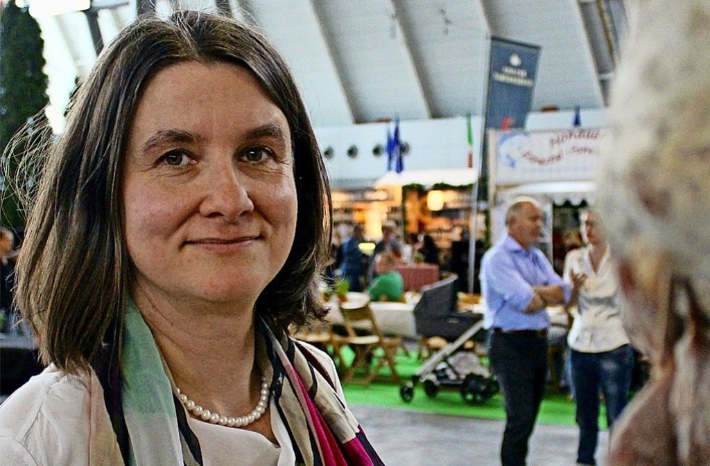 Jana Rückert-John isst mittags auch mal nur einen Becher  Joghurt auf die Schnelle. Foto: Rebecca Beiter