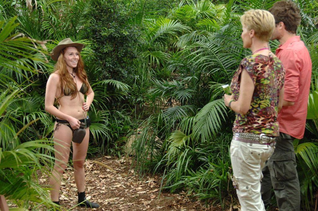 Anspruch und Wirklichkeit gehen bei der siebten Dschungelcamp-Staffel weit auseinander: Georgina holt bei der Dschungelprüfung nur drei Sterne - findet das aber ganz toll. Foto: RTL