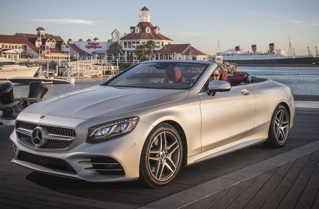 Ein Mercedes-Cabrio nur fürs Wochenende? Mit Abos wollen Autobauer junge Kunden locken. Foto: Daimler AG