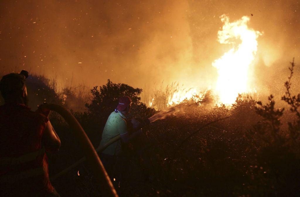 In Portugal (Foto) und Spanien wüten zurzeit verheerende Waldbrände. Foto: AP