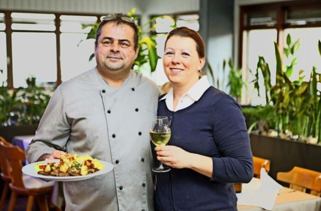 Branko und Marianna Habek   heißen die Gäste  in Hafennähe willkommen. Foto: Lg/Jan Reich
