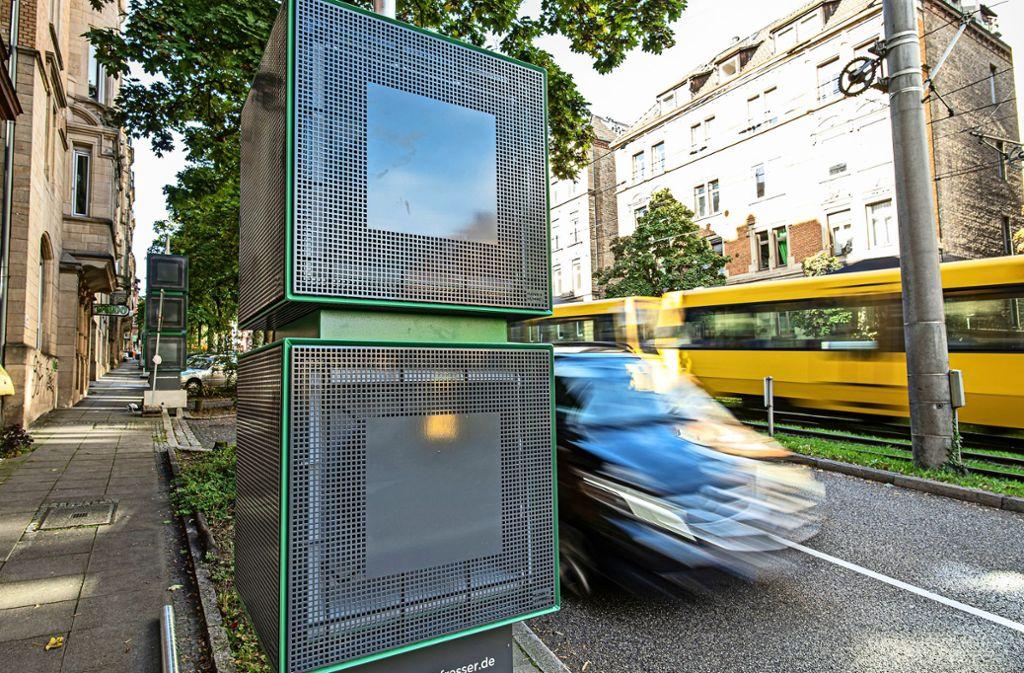 Die neuen Filter an der Hohenheimer Straße sollen  die Luftbelastung verringern. Dort steht eine Messstelle. Foto: Lichtgut/Leif Piechowski