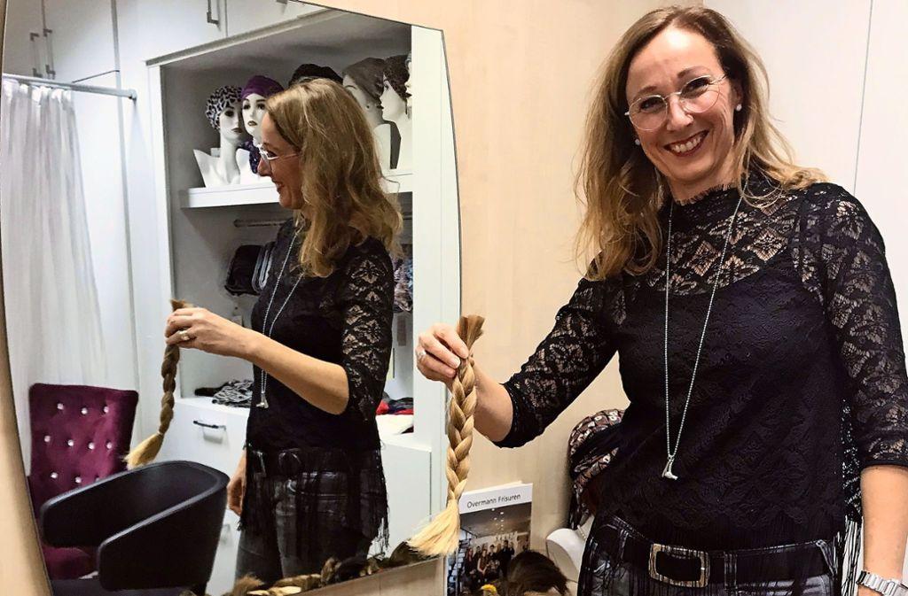 Aus den gesammelten Zöpfen werden Perücken für Krebskranke gemacht. Foto: Julia Bosch