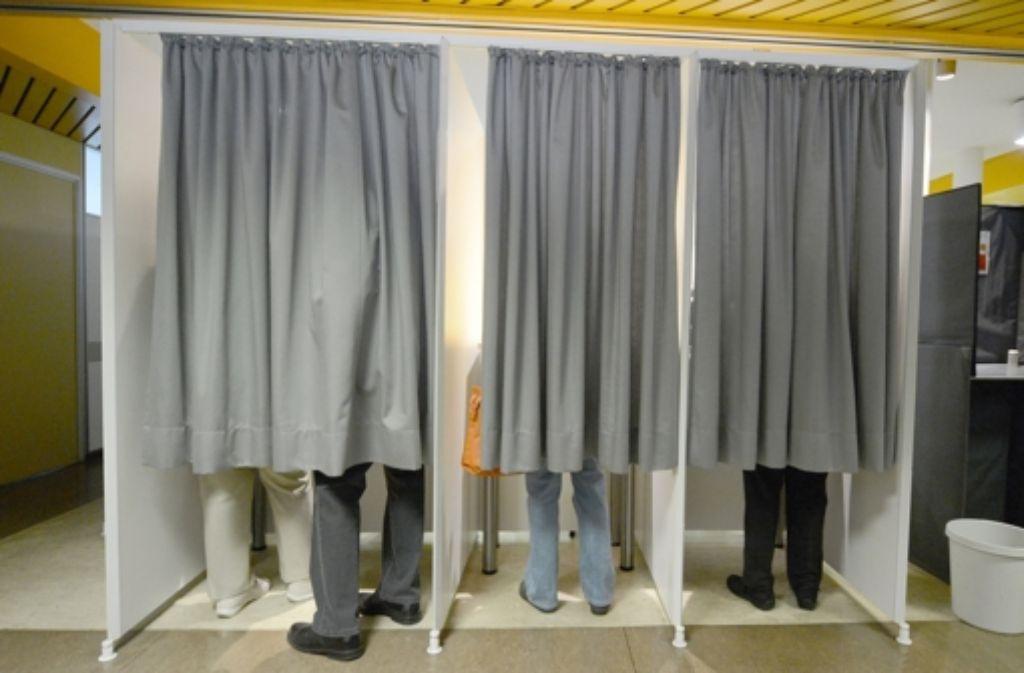Sich in der Wahlkabine zu überlegen, was man wählt, kann mühsam werden. Foto: dpa