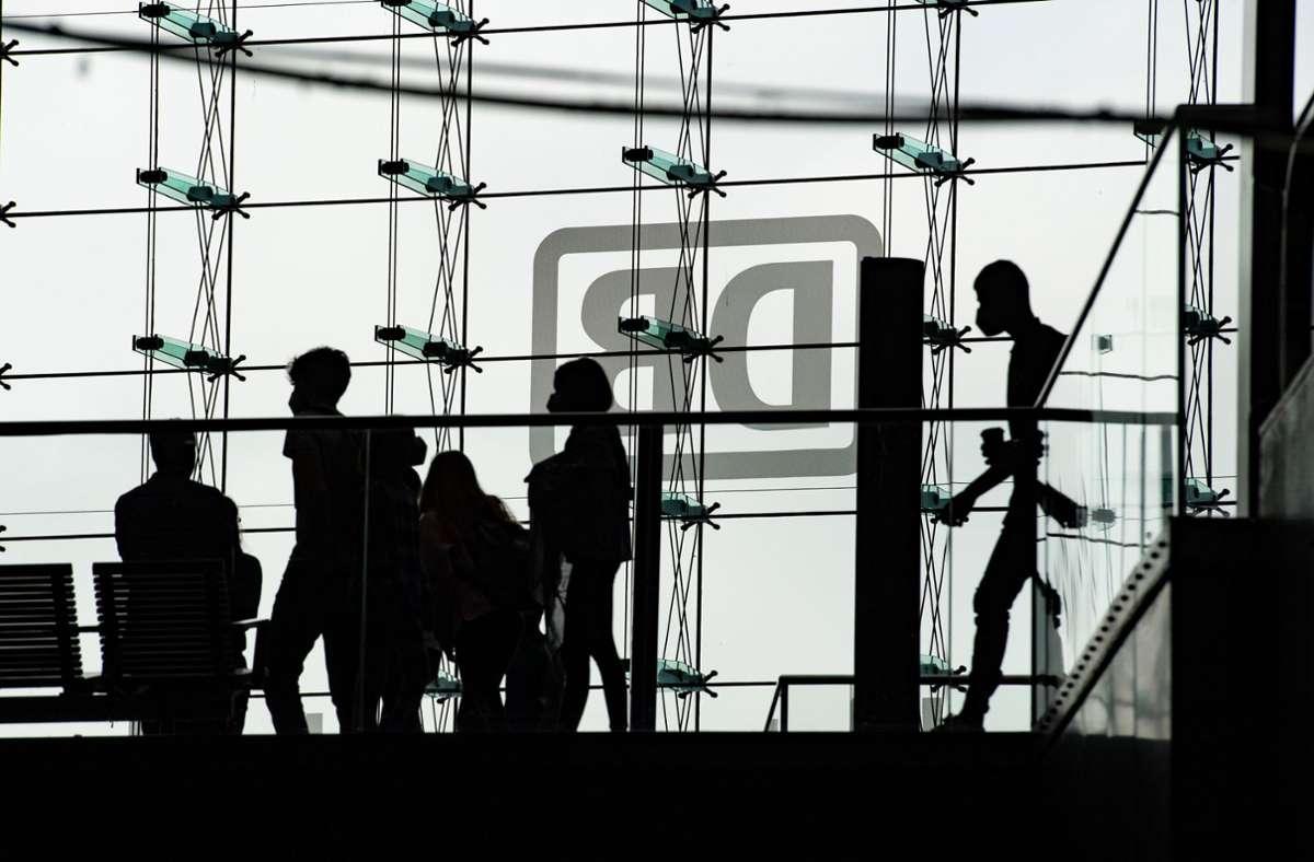 Ein verbessertes Angebot der Konzernleitung vomMittwoch hatte die GDL zurückgewiesen, Verhandlungen abgelehnt und ihre dritte Streikrunde fortgesetzt. Foto: dpa/Paul Zinken