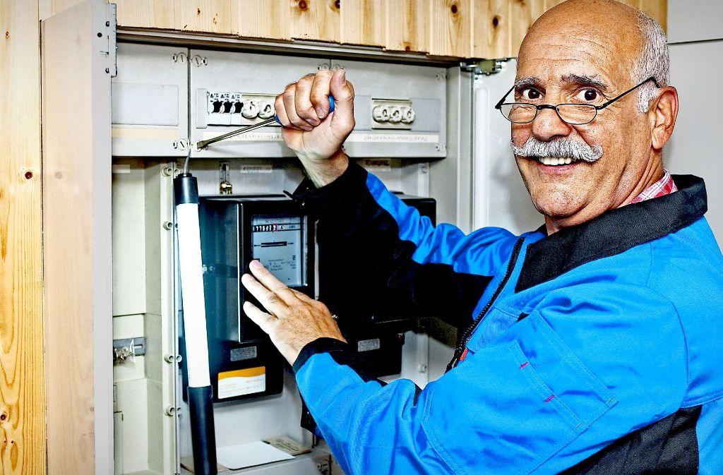 Vor allem ältere Elektriker haben die Ausstiegsmöglichkeit über die Rente mit 63 gesucht – sie stehen fast an der Spitze der Berufsrangliste. Foto: www.mauritius-images.com