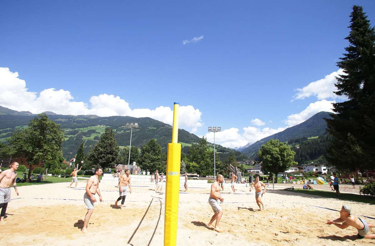 Sonne,  blauer Himmel, Bergidyll: Der Gute-Laune-Faktor kommt im Zillertal bei aller Anstrengung nicht zu kurz. Foto: Baumann