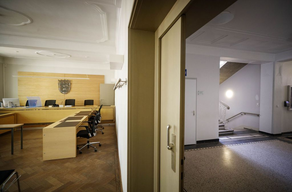 So leer sieht man das Amtsgerichtsgebäude nur selten. Foto: Gottfried Stoppel