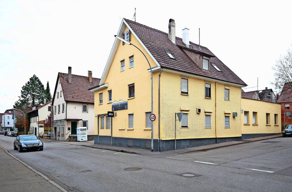 In der Stuttgarter Straße 44 bis 48 soll sich Einzelhandel ansiedeln – ein Entwurf plant die Holsterei an der Ecke ein. Die drei Entwürfe finden Sie in unserer Bildergalerie. Foto: factum/Granville