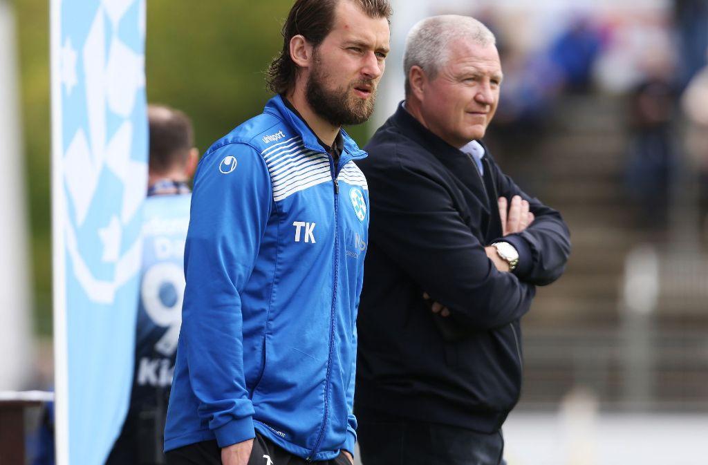 Geht vorsichtig optimistisch in die neue Regionalliga-Saison: Kickers-Chef Rainer Lorz (re.) neben Trainer Tomasz Kaczmarek. Foto: Baumann