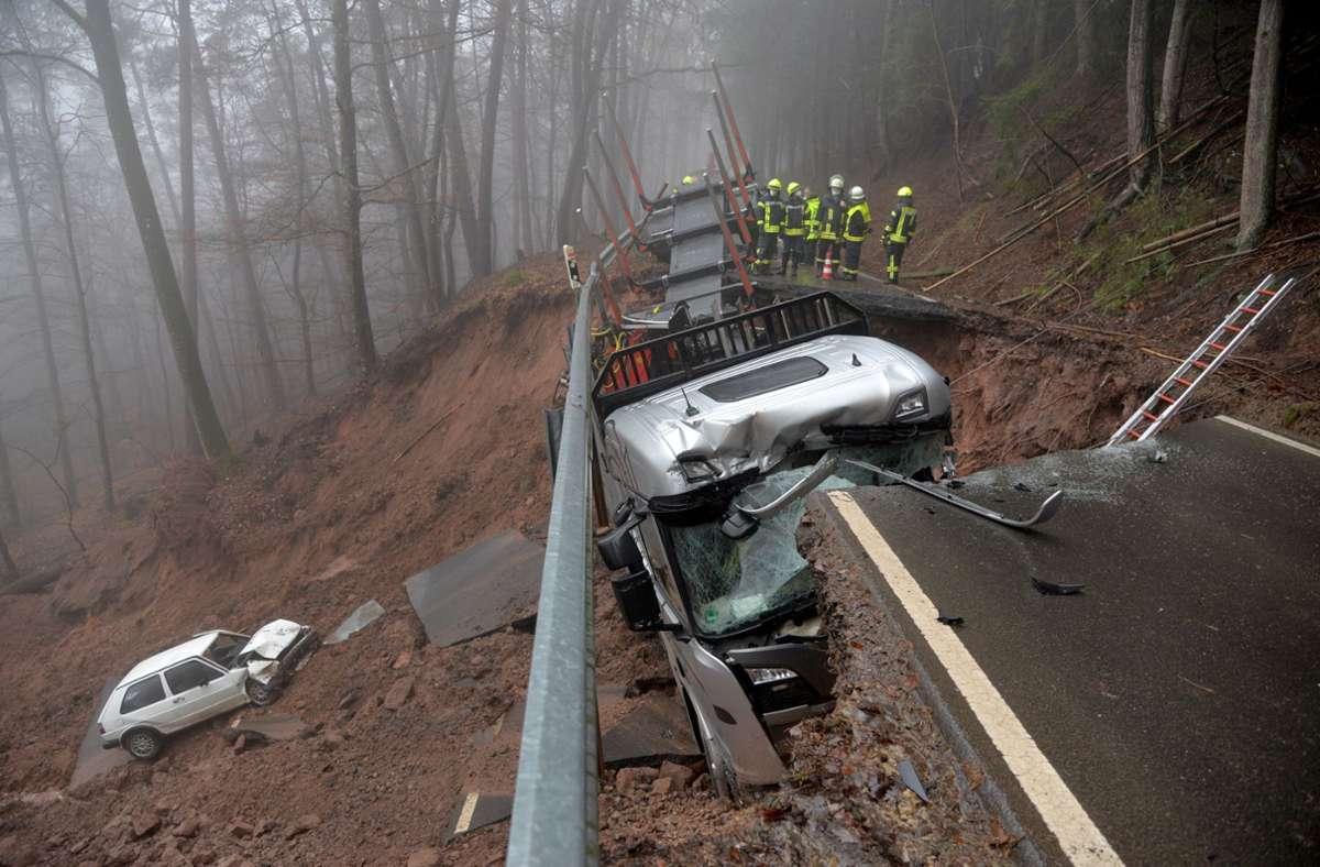 Bei Trier ereignete sich ein Unfall. Foto: dpa/Harald Tittel