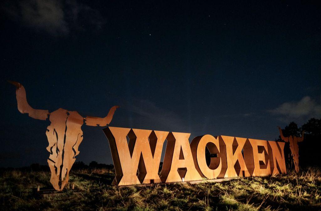 Für zwei Metal-Fans war bereits vor dem offiziellen Start von Wacken Schluss. (Symbolfoto) Foto: dpa