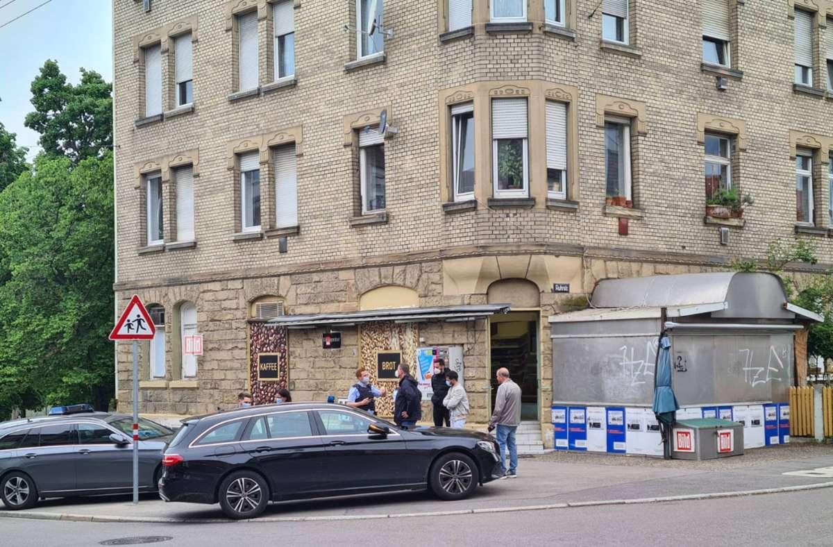 Am Einsatzort in der Ruhrstraße in Bad Cannstatt. Foto: 7aktuell.de/Andreas Werner