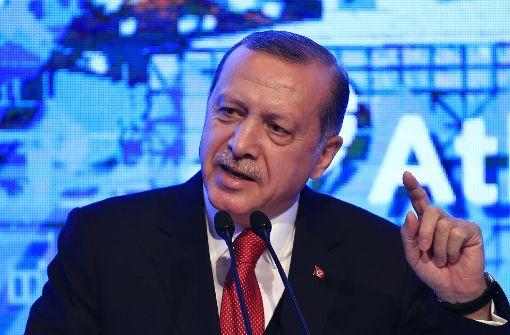 Erdogan will wieder der AKP beitreten