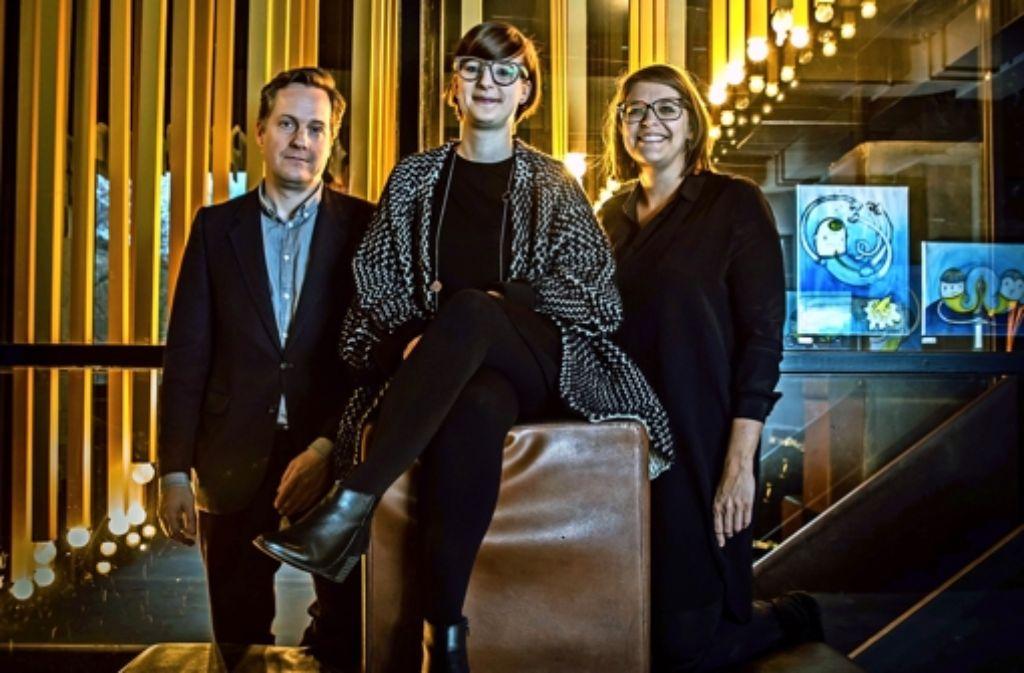 Matthias Straub, Janina Poesch, Sabine Marinescu (v.l.) wollen  andere mit ihrer Begeisterung für Gedrucktes  anstecken. Foto: Lichtgut/Achim Zweygarth