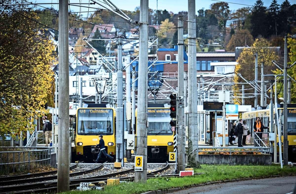 Stadtbahnen, die am Vaihinger Bahnhof enden, könnten künftig bis Büsnau oder ins Zentrum durchfahren. Foto: Lichtgut/Achim Zweygarth
