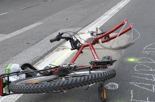 30. August: Radfahrer lebensgefährlich verletzt