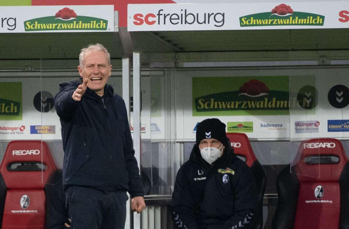 Kritisiert die Schiedsrichter: Freiburgs Coach Christian Streich Foto: dpa/Sebastian Gollnow