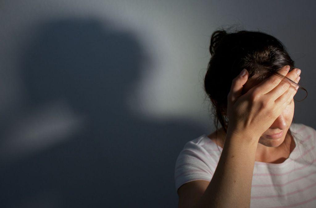 Müde, abgeschlagen, antriebslos? Im Herbst haben viele Menschen mit Stimmungstiefs zu kämpfen. Foto: /Oliver Killig