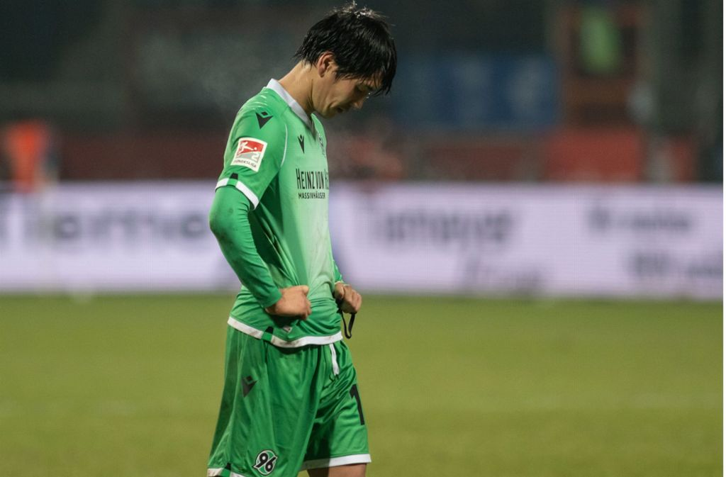 Hannover 96 muss sich in der Tabelle nach unten orientieren. Foto: dpa/Bernd Thissen