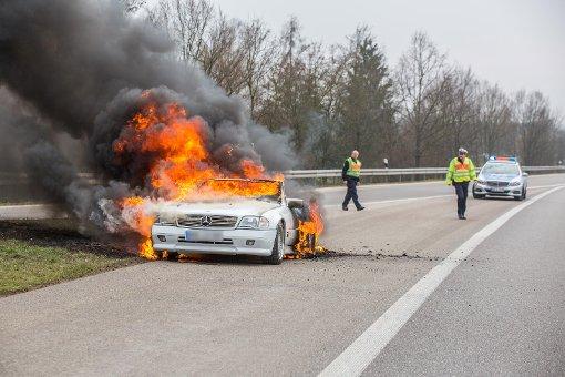 Mercedes SL brennt komplett aus