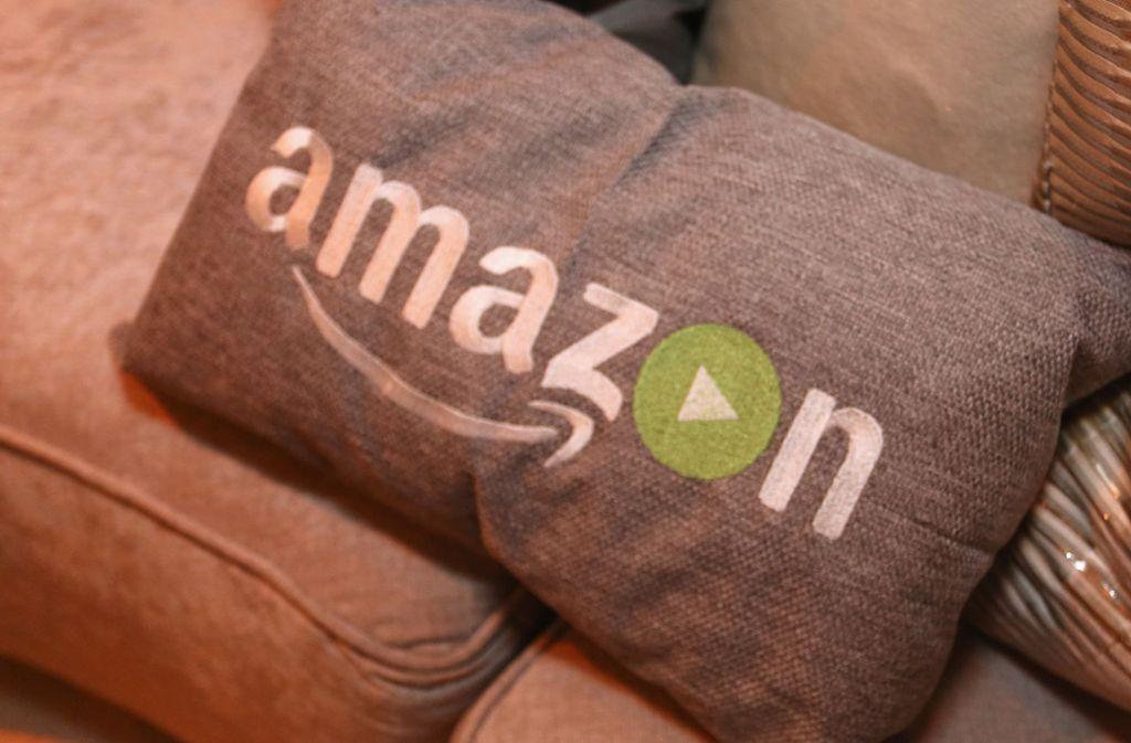 """Gemütlich bingen auf der Couch? Die kommende Amazon-Serie """"The Peripheral"""" könnte etwas herausfordernder werden. Foto: AFP/Rachel Murray"""