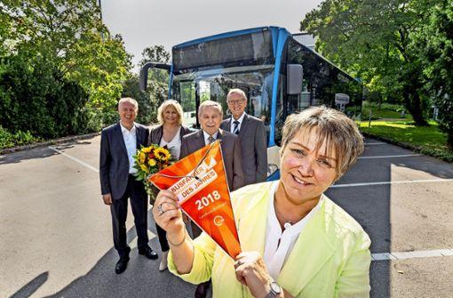 Im Bus  von Marlies Sparn scheint immer   die Sonne
