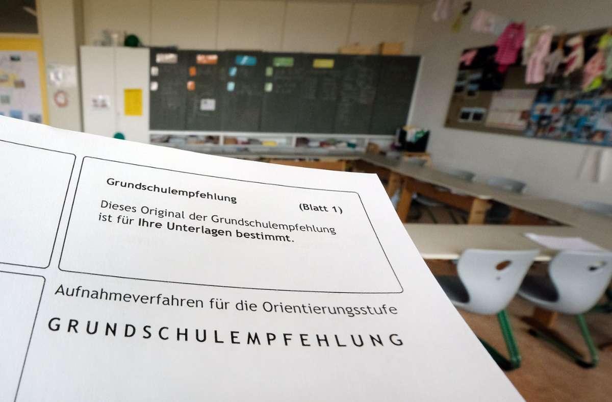 Lehrervertreter halten die Unverbindlichkeit der Grundschulempfehlung für einen Fehler. (Symbolbild) Foto: dpa/Bernd Weissbrod