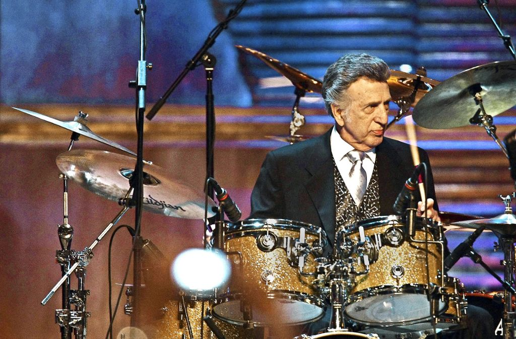 D. J. Fontana in reiferen Jahren: In seiner Zeit bei Elvis hat er oft mit einem viel kleineren Schlagzeug gearbeitet. Foto: Getty