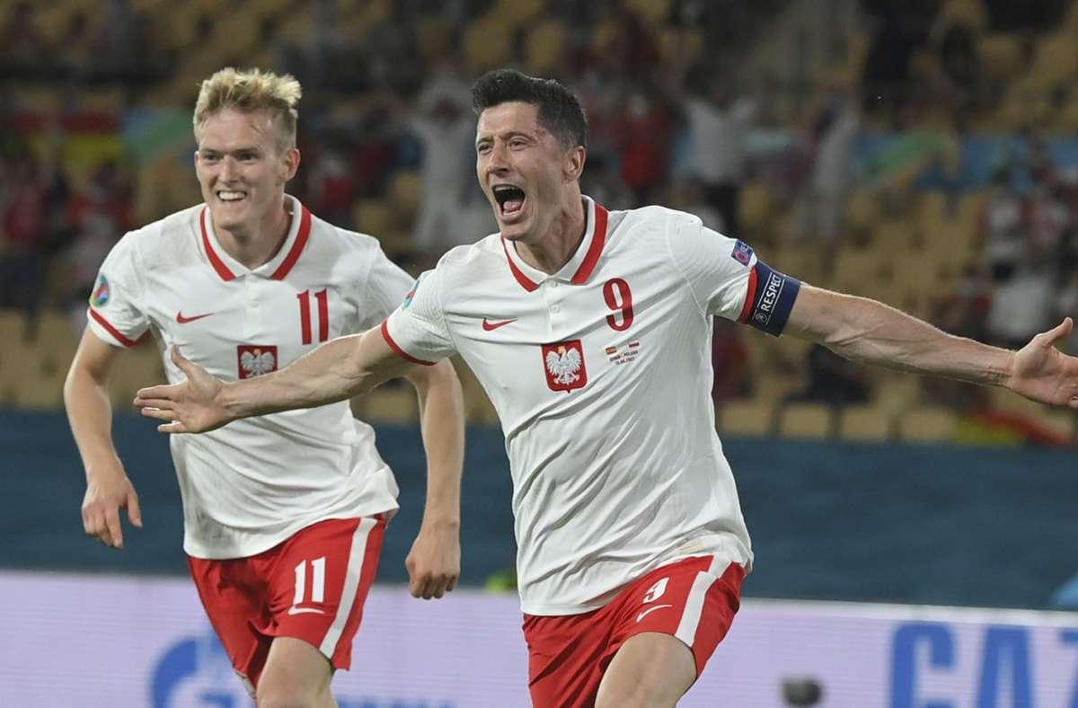 Robert Lewandowski traf zum 1:1 für Polen bei der EM 2021 im spanischen Sevilla. Foto: dpa/David Ramos