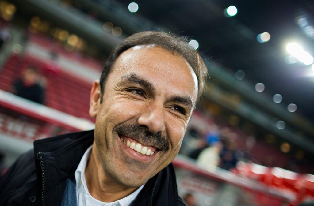 Coach Luhukay zeigte sich zufrieden mit dem Auftritt seines VfB. Foto: dpa