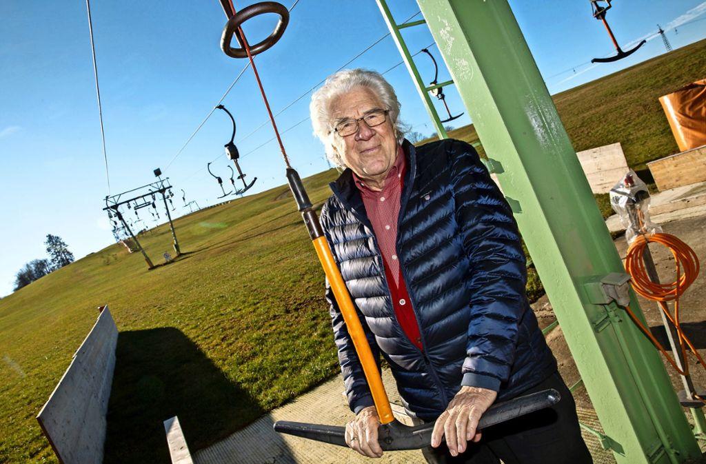 Hubert Lang  betreibt seinen Lift in Treffelhausen seit mehr als 50 Jahren. Foto: Ines Rudel