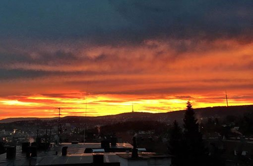 Der Sonnenaufgang am Mittwoch, aus dem Stuttgarter Westen gesehen. Foto: Facebook/Stuttgart-West