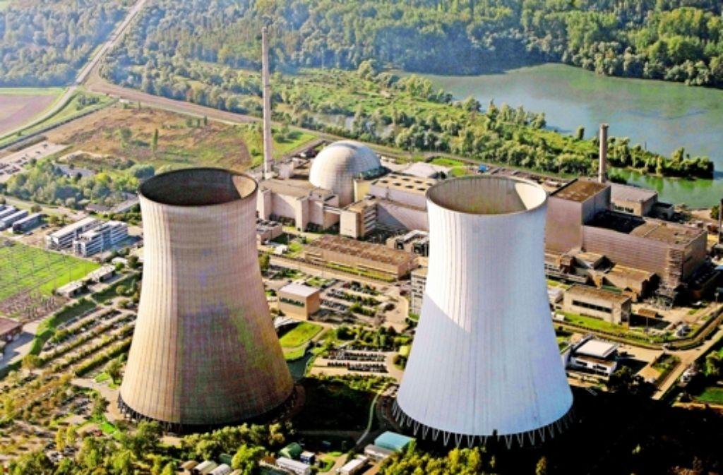 Das Kernkraftwerk in Philippsburg im Kreis Karlsruhe aus der Luft: für den Rückbau der beiden Meiler will der Betreiber EnBW eine eigene Gesellschaft gründen. Foto: dpa