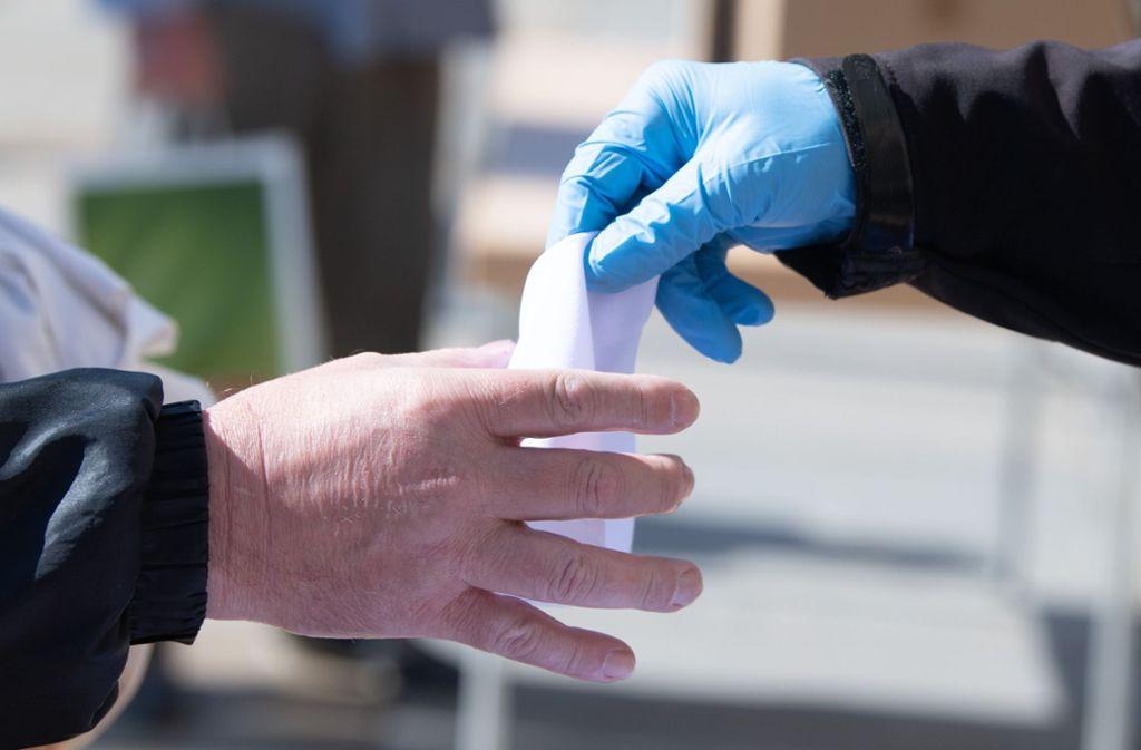 In einem Altenheim in Bretten sind fast drei Viertel aller Bewohner mit dem Corona-Virus infiziert. Foto: dpa/Sebastian Kahnert