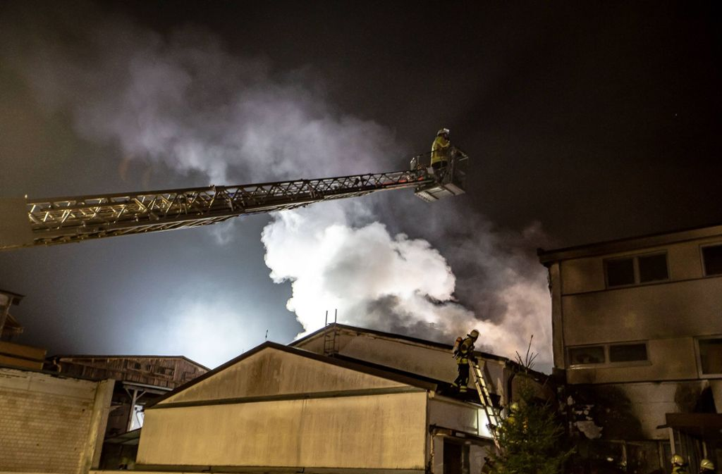 Eine Silvesterrakete setzte laut Polizei einen Dachstuhl in Bietigheim-Bissingen in Brand. Foto: 7aktuell.de/Marc Gruber