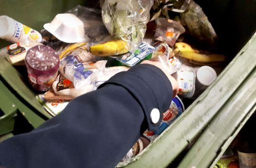 Sogar frisches Sushi landet im Müll