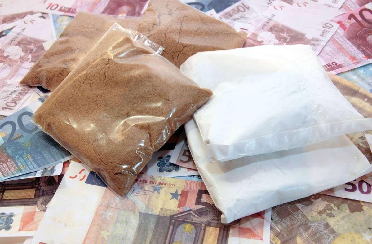 Der Verdächtige soll mit Heroin gehandelt haben. (Symbolbild) Foto: imago images/YAY Images/david morrison via www.imago-images.de