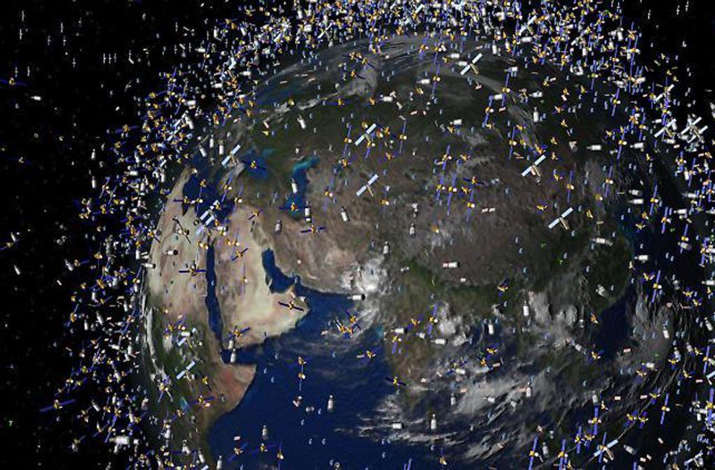 Rund 6500 Tonnen Schrott rasen im Orbit um die Erde durch das Weltall. Das sind mehr als 600000 Objekte mit einem Durchmesser größer als ein Zentimeter in Umlaufbahnen um den Blauen Planeten. Foto: ESA/dpa