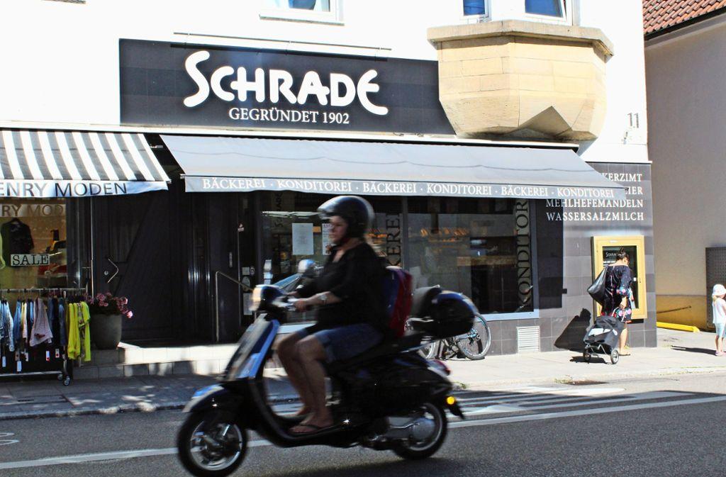 Zur Bäckerei Schrade kommen die meisten Kunden ohne Auto. Foto: Tilman Baur