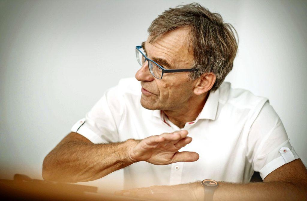 Mündlich? Schriftlich? Werner Wölfle muss sich den Stadträten erklären. Foto: Lg/ Piechowski